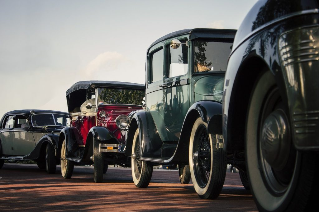 Classic Cars and Insurance Companies in CT