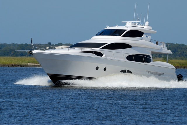 yacht builders insurance brokers